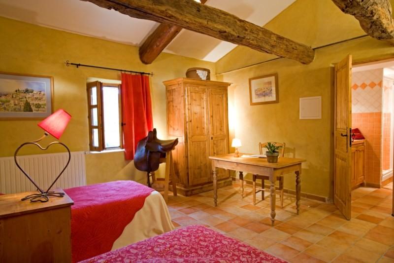 2 chambres pour 4 personnes sur la commune de simiane la for Chambre 4 personnes